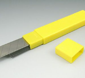 Heavy-Duty Snap-Off Knife Replacement Blades (2 Boxes - 10 Blades per Box)