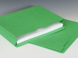 "Smead File Jacket with Full Cut Double Top Tab and 2"" Expansion - 11 PT. (Letter Size) - Green"