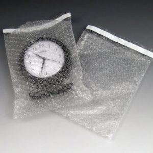"7"" x 11-1/2"" Pregis Self-Sealing Bubble Pouches (3/16"") (140 per carton)"